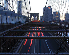 Walking the Brooklyn Bridge (Oquendo) Tags: new york city bridge urban cars primavera brooklyn speed landscape puente lights spring long exposure structures paisaje urbano nueva urbanas estructuras oquendo 2013