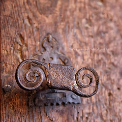Vintage Door Handle (MAIKA 777) Tags: square pom flickr pomo squareformat getty teruel gettyimages perilla tirador manilla matarranya aragn cuadrado trklinke picaporte trschnalle maneta trdrcker canon24105mmf4lisusm matarraa lafresneda sigloxvi img1894 formatocuadrado ordendecalatrava canoneos5dmarkii maika777 estilorenacentista vintagedoorhandle lafreixneda loquetedigalarubia palaciodelaencomienda