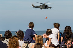 """Soccorso in mare 3 • <a style=""""font-size:0.8em;"""" href=""""http://www.flickr.com/photos/92529237@N02/8900108206/"""" target=""""_blank"""">View on Flickr</a>"""