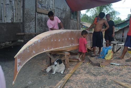 Building boat in Olingan, Dipolog City, Philippines. Photo by Sarah Esguerra, 2013.