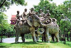 The Battle of Yuthahathi, The Ancient City, Muang Boran, Samut Praken, Thailand. (samurai2565) Tags: samutprakan samutprakanprovince thailand ancientsiam ancientcity muangboran sukhumvitroad bangkok lekviriyaphant bangpu