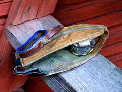 Old pespallo glove and ball (Santeri Viinamaki) Tags: pespallo glove pespallorpyl rps rpyl pallo pesis pesisrps ball finnishbaseball