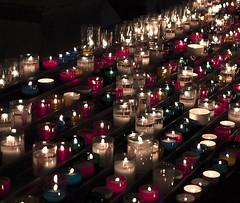 Velas en la Baslica de Saint-Nazaire, Carcasona, Francia (Edgardo W. Olivera) Tags: france francia europe europa panasonic lumix gh3 edgardoolivera microfourthirds microcuatrotercios carcasona carcassonne vela candle baslica saintnazaire