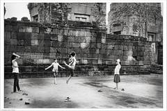 play the game (Mauro Fattore - Dreams Photo Art) Tags: camera blackandwhite art darkroom blackwhite cambodia arte angkor budda bianco biancoenero fotografo laquila foma fomapan cameraoscura cambogia bessar2a fotografiatradizionale maurofattore maurofatttore fotografolaquila