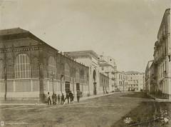 Calle Atarazanas y mercado de Atarazanas. Mlaga (Archivo Fotogrfico Municipal de Mlaga) Tags: mlaga comercio mercados arquitecturacivil edificiosmunicipales