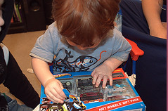 opening gifts 3 (*Melanie*) Tags: birthday grayson age2
