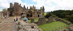 Dirleton Castle (8) (arjayempee) Tags: castle history scotland fortress ruthven haliburton eastlothian dirletoncastle halyburton haddingtonshire devaux av6a101617stitch
