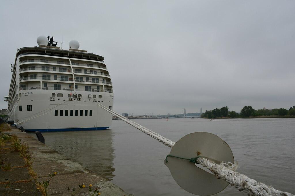 The World Cruise ship - Bordeaux - 26 avril 2013
