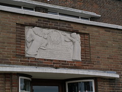Deco Nag's Head 03 (FrMark) Tags: uk windows england art architecture bar corner restaurant town thirties pub inn britain style moderne gb suburb curved deco hertfordshire streamline herts crittall bishopsstortford hockerill