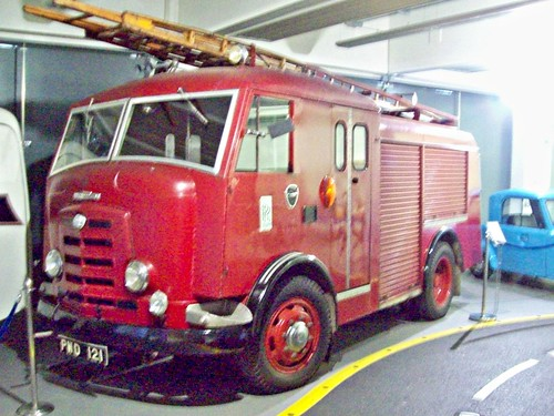 165 Commer Karrier Fire Engine (1952)