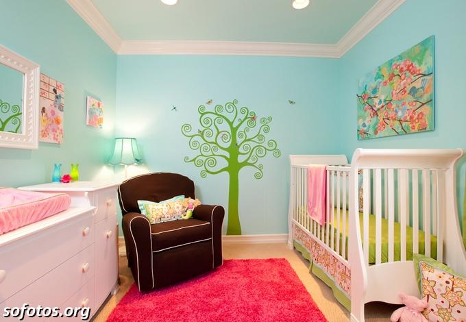 Quartos de bebê com papel de parede