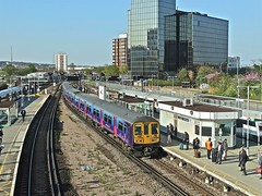 319451 At East Croydon (Deepgreen2009) Tags: above new glass station train fcc brighton view footbridge railway arrival eastcroydon