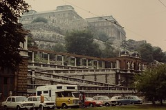 BUDAPEST 1975 pic028 (streamer020nl) Tags: auto car hungary budapest slide scan 1975 camper 10000 ungarn fordtransit magyarorszag hongarije hongarie várbazár magyarorazág up6396