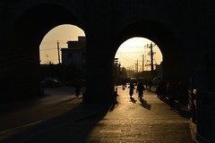 Fin de journe  Datong - End of the day in Datong (Solange B) Tags: china sunset wall backlight shadows shanxi datong contrejour chine coucherdesoleil muraille ombres