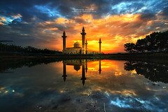 Masjid Jelutong (AzmanMd) Tags: travel blue sunset shadow wallpaper vacation sky cloud sun lake color reflection water beautiful sunrise canon landscape evening colorful slow view peaceful bluesky mosque tourist malaysia masjid longexposer canon40d