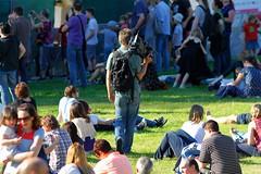 Linzfest 2013 -Tag 1 (austrianpsycho) Tags: people linz leute menschen kamera cameraman sitzen videokamera kameramann 2013 linzfest 18052013 linzfest2013