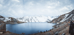 Panoramica Embalse del Yeso Chile (ChuKrut) Tags: panoramic panoramica mountains montaas view landscape vista paisaje water agua embalse chile andes dam reservoir lagoon lake snow clouds cloudy nublado nieve nubes winter invierno melting derretimiento cordillera lago trail camino del yeso