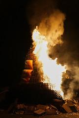 2016-07-12_00-14-18_DSC00849 (Colonel Matrix) Tags: belfast bonfire bonfirenight flag northernireland orangefest sandyrow twelfth gb