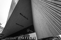 CENTRAAL STATION (Blende1.8) Tags: rotterdam centraal urban modern moderne architektur city architecture uhr clock eingang entrance wide wideangle contemporary