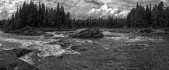 the hat (Sergey S Ponomarev - very busy) Tags: sergeyponomarev canon 70d eos ef24105f40l nature natura bw monochrome biancoenero blackandwhite panorama landscape paysage paesaggio people rafting river stream rapid north nord russia russie lapland kola karjala tumcha island forest wood stone waves danger europe travel adventure 2016 summer clouds august         hat