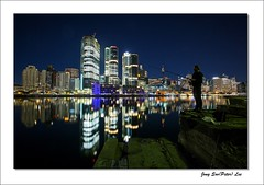 Dawn fisherman (jongsoolee5610) Tags: sydneynight darlingharbour sydney australia reflection night city fisherman dawn