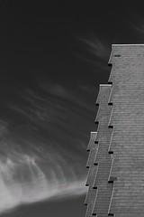 Hochhaus seitlich (steinmann1969) Tags: 1200d canon emmertsgrund kontrast blackwithe heidelberg highrise hochhaus