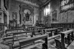 Church  with cloister (Italy)  (9) (Arno G) Tags: church eglise abandonn abandon decay dsaffect urbex explorationurbaine exploration cloister clotre pentax sigma1020mmf35exdchsm italy hdr poussire