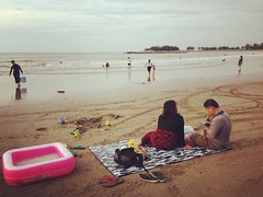 #sundaypicnic at the beach #pantaitunku #funbrunei #beach #family (Evelyn.K) Tags: instagramapp square squareformat iphoneography uploaded:by=instagram rise