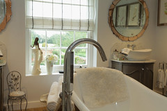Bathroom @ Oxon (Adam Swaine) Tags: interiors swaine 2016 bathrooms uk english england britain british taps baths canon homes