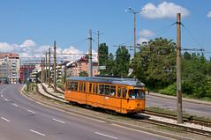 Der ex-Bonner GT6-Wagen 4237 kurz hinter dem Bahnhof 'Poduyane' (Frederik Buchleitner) Tags: 237 4237 bulgaria bulgarien blgariya duewag dwag gt6 linie22 sechsachser sofia stolitschenelektrotransportag strasenbahn streetcar tram trambahn tramvai     blgariya dwag straenbahn tramvai