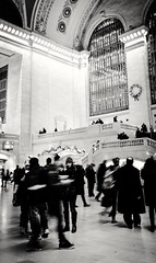 ((speck)) Tags: nyc busy bw blackandwhite grandcentral grandcentralterminal nokialumia1020 lumia semirush station mono