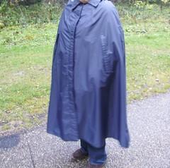 RainMac--blau-IMGP0105 (Umhaenge2010) Tags: cape cloak cloack umhang regenumhang raincape capeimpermable