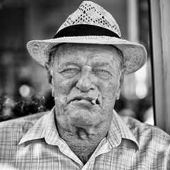 GC- (5) (Gustavo Castellon) Tags: red color efex pro canon documentary portrait 50mm 6d blackwhite socialdocumentary streetphotography photography