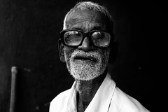 untitled (thiagu clicks) Tags: portrait blackandwhite oldman oldage cwc environmentalportrait indianfaces thiagu indianportraits chennaiweekendclickers thiaguclicks wrinklestory thiagarajankaatchikuviyam thiagarajanphotography