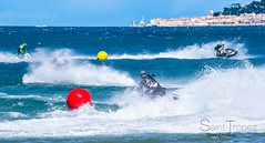 JET SKI SAINT TROPEZ (steve lorillere) Tags: sea mer face race see mar cara course flip figure jetski cascade  aleta    rasse raa kaskaden     gesichts