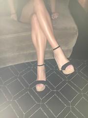 image (Sexy Feet and Sexy Heels) Tags: legsfordays sexyhighheelssexypumpssexyfeetsexylegs sexyheels sexyarch sexyfeet sexylegs