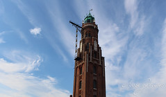 Old Lighthouse with interesting sky (Foto-Aestheticus) Tags: blue sky bluesky sun sunshine summer light clouds lighthouse backestone clinker brick red white green old bremerhaven canon outside outdoor germany