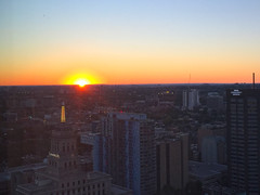Sunset in Toronto, Canada (soniaadammurray - OFF) Tags: digitalphotography quartasunset sunset sky city toronto ontario canada nightime