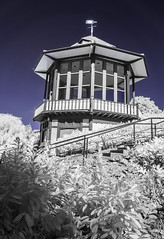 Horniman Museum (blackwoodse6) Tags: infrared london uk england bandstand building architecture blue white foilage 720nm nikon hornimanmuseum foresthill southlondon southeastlondon bluesky nikond300 outdoors infraredphotography