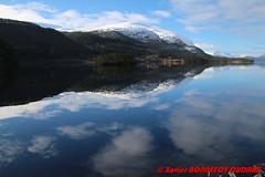 Hornindalsvatnet - Holmoyane (soyouz) Tags: geo:lat=6194584150 geo:lon=646933800 geotagged holmyane nor norvge sognogfjordane lac montagne neige paysage hornindalsvatnet norvegela