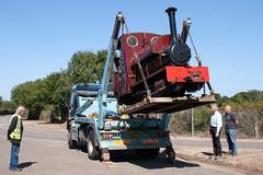 8 (Hampton & Kempton Waterworks Railway.) Tags: darent arrives loop