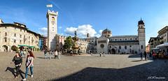 Piazza Duomo. Trento (PHOTOMAYEUTA) Tags: 2016 italia italy viaje viajes travel nikon d610 trentino altoadige sdtirol panoramic panorama panoramica panoramique trento plaza piazza duomo