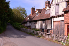 Igtham Cottages (andrewb_photography) Tags: kent nationaltrust igthammote timbered