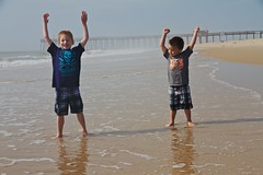 (Michael Bentley) Tags: ocean vacation beach alex sand andrew playtime oceancity oceancitymd canonefs1585mmf3556isusm