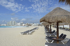 "Cancun Beach • <a style=""font-size:0.8em;"" href=""http://www.flickr.com/photos/36070478@N08/10255807223/"" target=""_blank"">View on Flickr</a>"