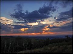 Sonnenuntergang (tosch_fotografie) Tags: honsel berg hgel wald wiese wolken sonnenuntergang iserlohn letmathe hagen sauerland landschaft himmel bume olympus omd em1 12mm sunset landscape clouds cloudporn sky hills moutain wood field germany