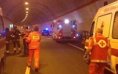 Ciclista e' stato travolto da un camion (Milano24ore) Tags: ciclista incidente