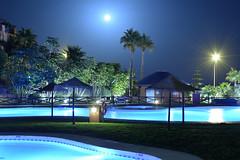 Pool and moon (alfonsovalgar) Tags: pool moon piscina luna torrox nikon d5200