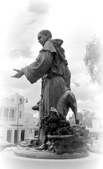 St. Francis of Assisi (milomingo) Tags: monochrome monochromatic statue sculpture metal people outdoor santafe newmexico cathedralbasilicaofstfrancisofassisi southwest stfrancis stfrancisofassisi urban blackandwhite blackwhite