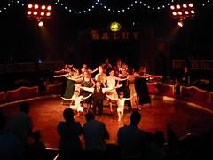 El Circo (49) (calafellvalo) Tags: circocircuscirquezirkusclownspayasosemocionesfantasiamagiacalafelvalo raluy circo zirkus sufrir suspirar fantasa fantasy sigh sueos dreams trume rves circoraluy suspense miedo fear trepidation circus cirque equilibrios payasos clowns trapecistas trapze trapez emociones emotionen emotions passions angst sentimirntos feelings feel affect risas lacht lache laughs mirth merriment magia magie magic calafellvalo art